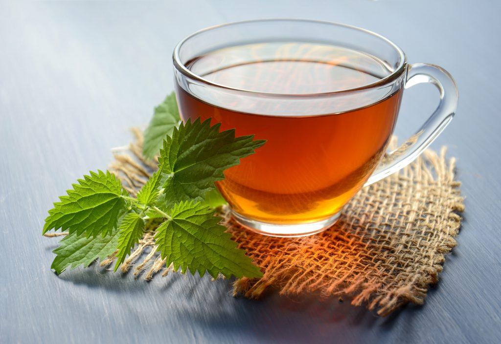 11 ceaiuri de plante care te ajută la slăbit | secretfantasy.ro