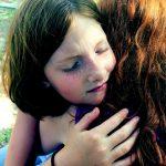 """Psiholog: """"Familia este «fundatia» pe care se sprijina copilul aflat in suferinta"""""""