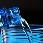 Specialist nutritie: Pentru toti copiii singura bautura recomandata este apa